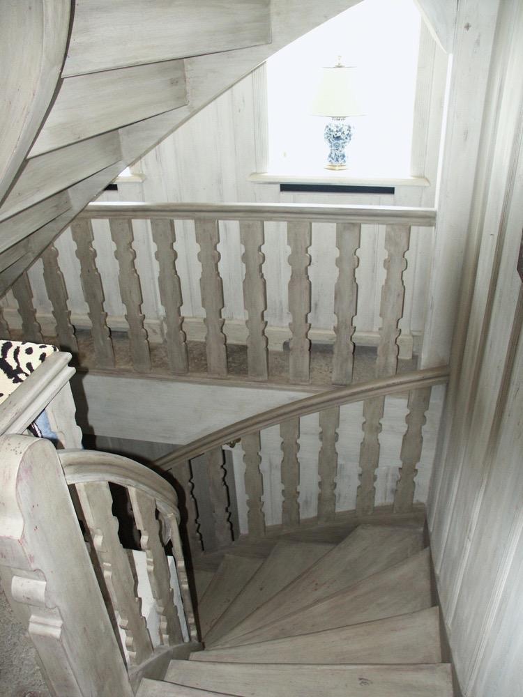 Moebelwerkstatt-Hamkens-Moebeltischlerei-Hamburg-Fassmalerei-Treppe-gefasst-Sylt